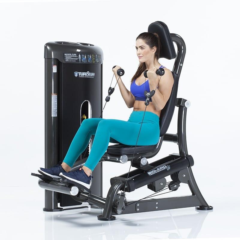 Tập với máy Bio-Arc Biceps Curl sẽ giúp bạn nhanh chóng sở hữu một vùng cơ tay săn chắc và khỏe mạnh.