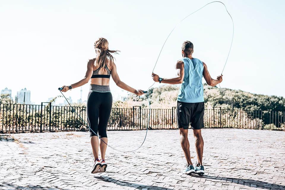 Nhảy dây bài cardio đơn giản quen thuộc
