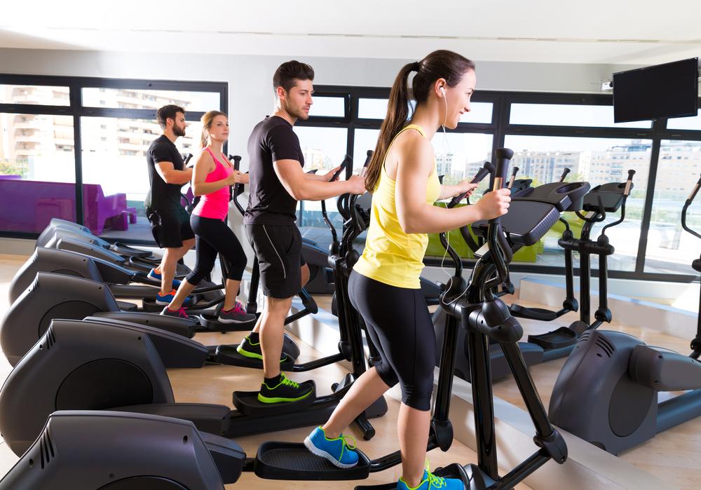 Elliptical Machine - máy tập cardio tốt cho mông và đùi.