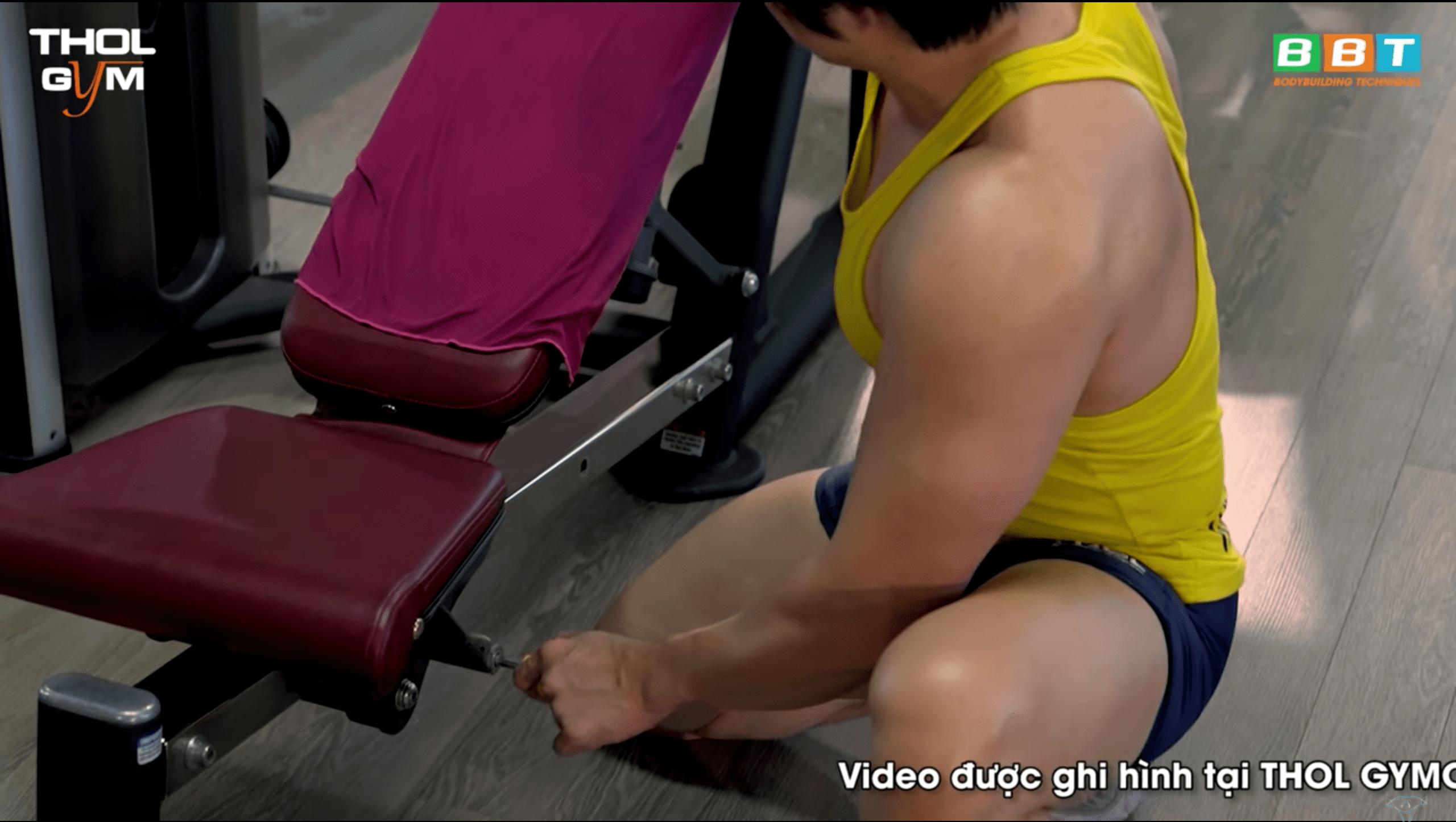 Điều chỉnh vị trí ghế tập